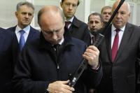 Достоинства современного стрелкового оружия оценил президент страны
