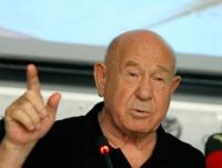 Алексей Леонов на совместной пресс-конференции, посвящённой 35-летию совместного полёта кораблей «Союз» и «Аполлон»