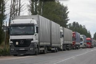 В Челябинске из-за фуры пострадало восемь автомобилей