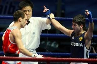 Новосибирский боксер Миша Алоян стал двукратным чемпионом мира