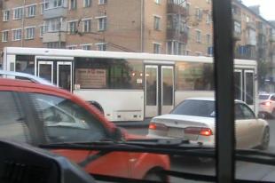 В Челябинске пассажирский автобус попал в ДТП