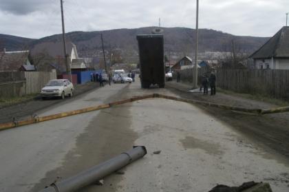 Водитель грузовика оставил без тепла 115 домов в Миассе