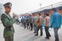 В прошлом году из Китая депортировали 200 тысяч человек