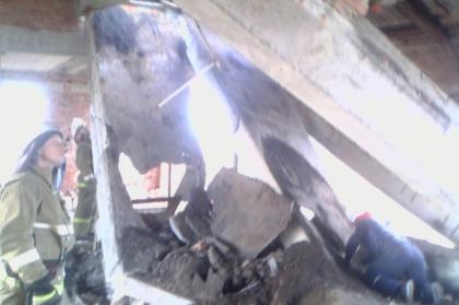 В Троицком районе спасатели извлекли из-под завалов здания подростка