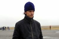 Отец Евгений каждый раз служит молебен на аэродроме перед полётами.