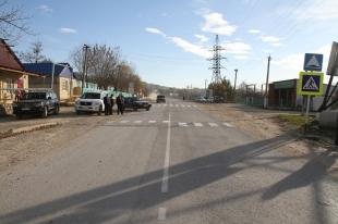 В Магнитогорске двое подростков разбили лобовое стекло водителю