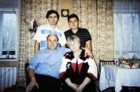 Горячевы с сыновьями - Олегом и Сергеем