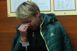 На Южном Урале, на глазах у трехлетней девочки, женщина зарезала подругу