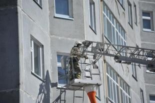 В Челябинске пожарные спасли от огня 20 человек