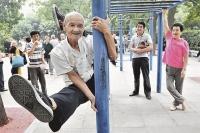 Движение - жизнь, уверены китайские пенсионеры.