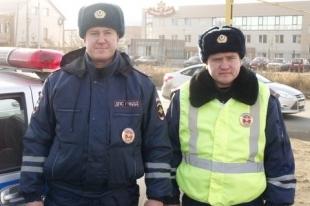 Челябинские инспекторы ДПС задержали грабителя цветов