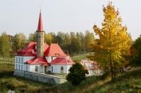 Приоратский дворец построен из земли.