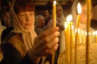 Верующие во время Рождественского богослужения.