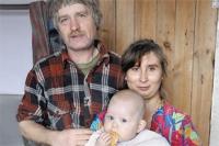 Майкл, Таня и Полина Майкловна. Старшие дети - в школе.