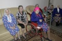 Специнтернат для пожилого человека часто стапает старика от одиночества.