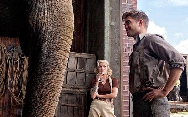 Не собравший огромный кассы, но полюбившийся зрителю фильм «Воды слонам!» был признан лучшим среди драматических