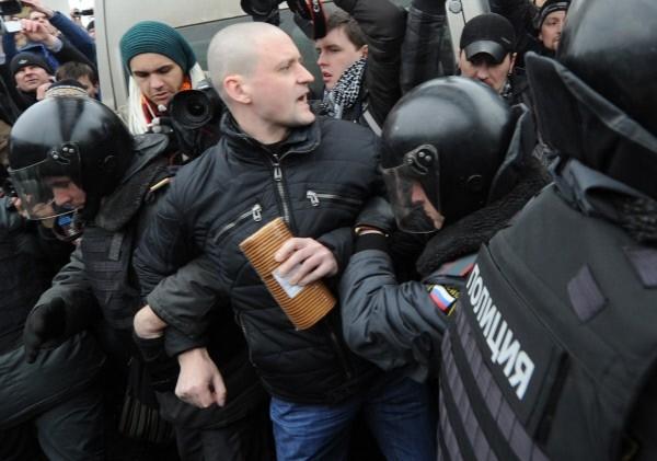 Первым о намерении собрать акцию протеста против НТВ заявил один из лидеров оппозиции Сергей Удальцов.