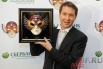Евгений Миронов получил приз в номинации «Лучшая мужская роль в драме» за роль Калигулы в спектакле литовского классика Някрошюса, поставленном в столичном Театре Наций.