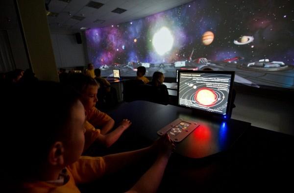 Многофункциональный мультимедийный комплекс в Космоцентре в Центре подготовки космонавтов имени Ю.А. Гагарина.
