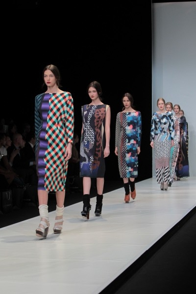"""Модели на показе коллекции """"Вера"""" дизайнера Даши Гаузер."""