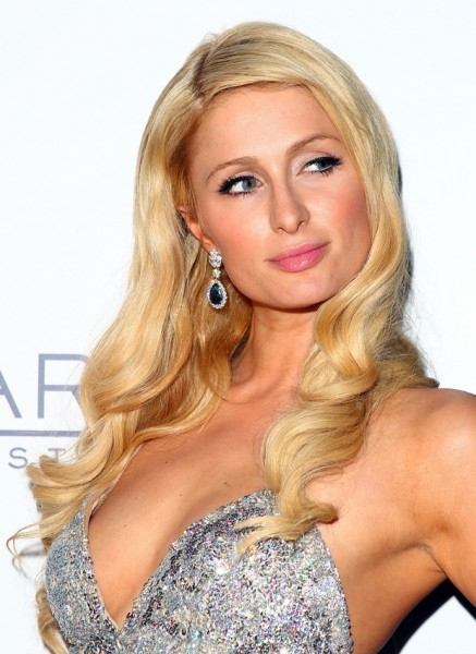 Знаменитая блондинка Пэрис Хилтон тоже давно не появлялась на обложках журналов, однако общественности все еще кажется, что Хилтон «слишком много».