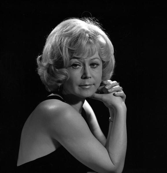 В кино актриса исполнила более 70 ролей в кино.