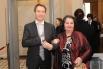 Евгений Миронов приехал в Большой театр с мамой Тамарой Петровной.