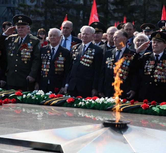 "9 мая Иркутск<br><a href=""http://www.irk.aif.ru/"" target=blank>Подробности - на сайте региона</a>"