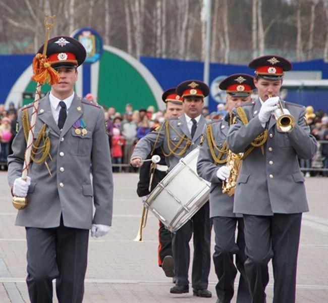 "9 мая парад Ханты-Мансийск<br><a href=""http://www.ugra.aif.ru/"" target=blank>Подробности - на сайте региона</a>"
