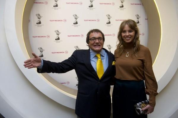 Телеведущий Дмитрий Дибров с супругой Полиной Наградовой.