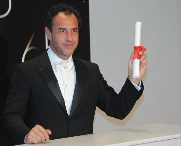 Приз за лучший сценарий получил румынский режиссер Кристиан Мунджу за картину «За холмами». Эта же картина забрала две награды за лучшую женскую роль.