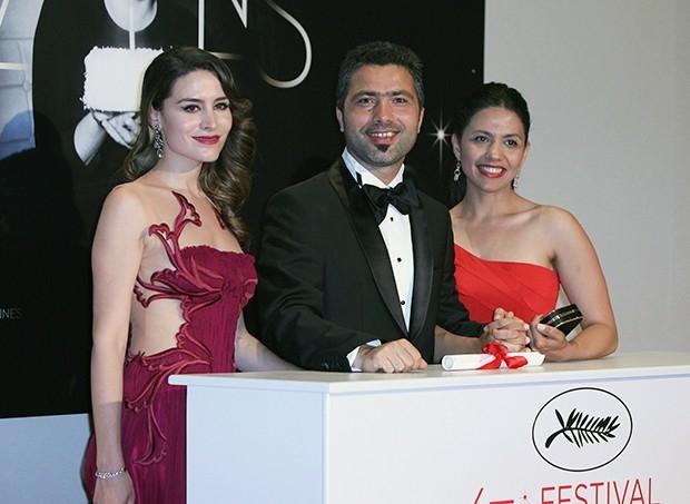 Золотая пальмовая ветвь за короткометражный фильм достался турецкому режиссеру Резану Езилбасу за фильм «Тишина».