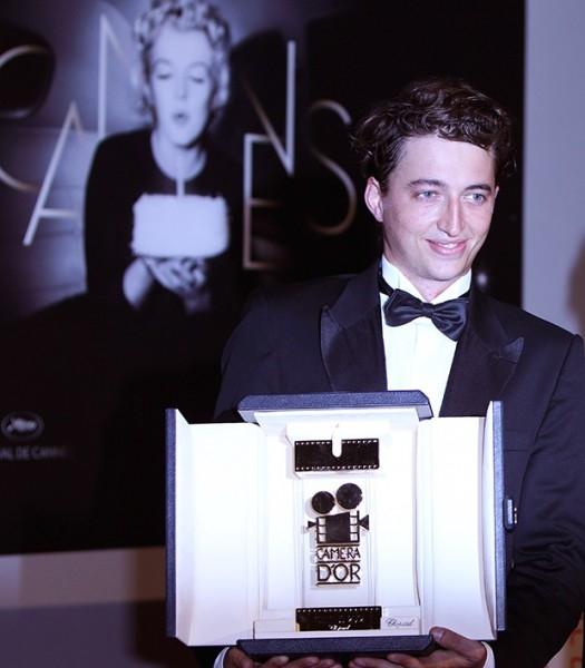 Лучшим дебютом жюри признало работу «Звери дикого юга» американского режиссера Бена Зайтлина.