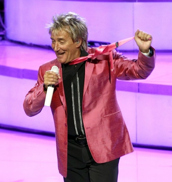 У Рода Стюарта в 1999 году нашли рак щитовидной железы. После операции певец восстанавливался девять месяцев, прежде чем вернуться на сцену.