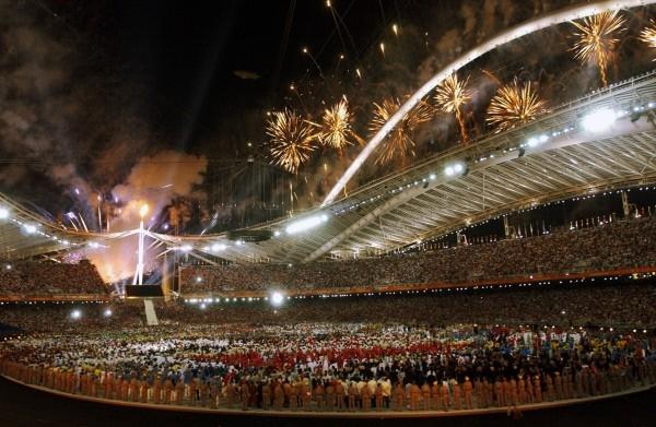Торжественная церемония открытия Олимпийских игр 2004 в Афинах.