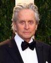 У Майкла Дугласа рак горла нашли в 2010 году. Во время химиотерапии актер потерял 14 кг. Причиной выздоровления актер считает свои хорошие гены.