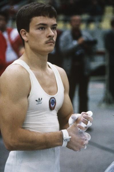 Владимир Артёмов (Спортивная гимнастика) <br> Медали на летних Олимпийских играх:<br> Золото - 4<br> Серебро - 1<br> Бронза - 0