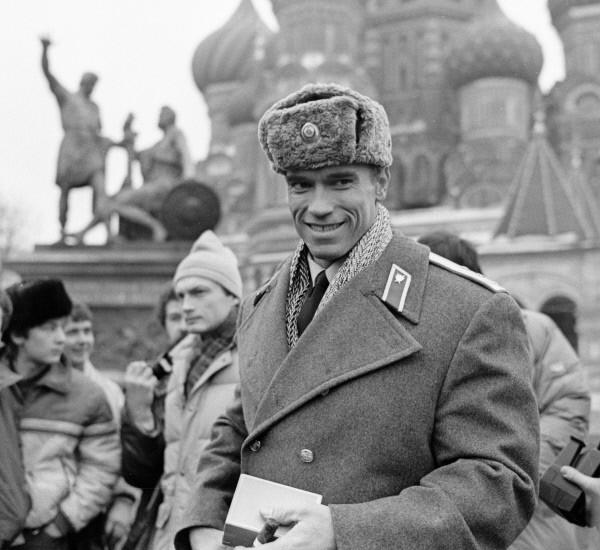 Американский актер и культурист Арнольд Шварценеггер на Красной площади.