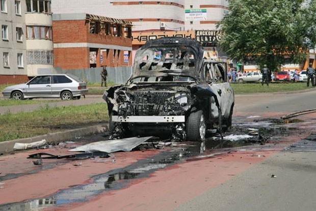 По словам очевидцев, из машины взрывной волной вынесло водителя муфтия, что спасло ему жизнь. При этом в МВД Татарстана уточняют, что за рулем был сам муфтий.
