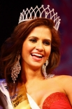 Лайла Мартинез из Колумбии, телеведущая и мама шестилетней дочери - в короне королевы красоты.