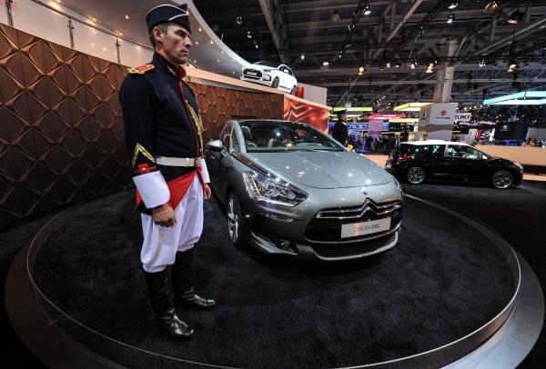 Автомобиль Citroen DS 5