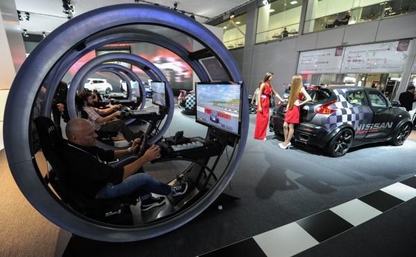 Стенд автомобильной компании Nissan