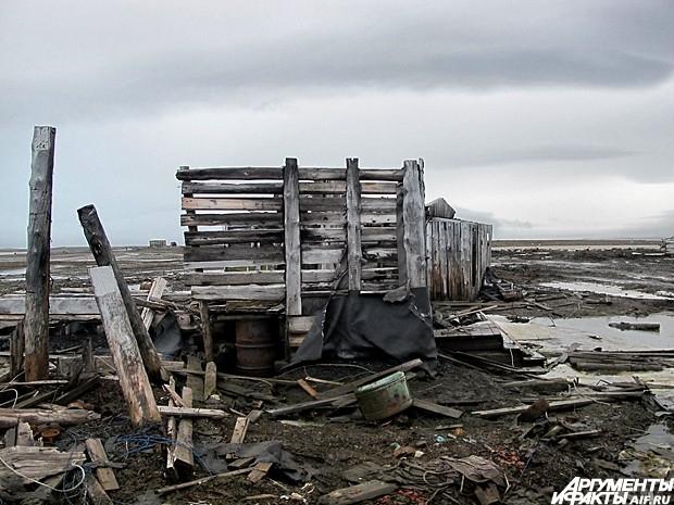 Руины строений делают реальность похожей на техногенную аномальную зону