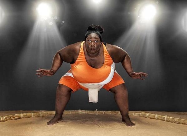 Среди ныне живущих, самой тяжелой спортсменкой является Шарран Александр из Лондона. Она занимается сумо и ее чес составляет 203.21 кг