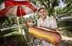 Самый большой хот-дог.  3.2-килограммовый, 41-сантиметровый хот-дог. Стоит он 1 215 рублей по сегодняшнему курсу