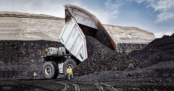 Самый большой карьерный самосвал.  Этот американский монстр Westech T282C может за раз перевести 470 кубических метров угля.
