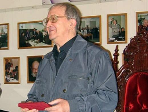 После смерти Аркадия в 1991 году Борис, по его собственным словам, «продолжил пилить толстое бревно литературы двуручной пилой, но без напарника».