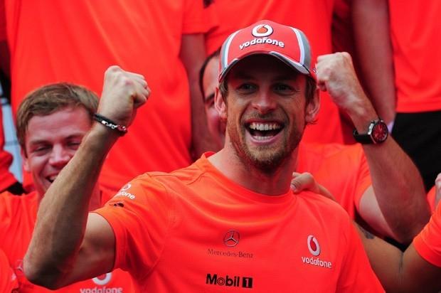 Дженсон Баттон одержал три победы по ходу сезона, но навязать борьбу Феттелю и Алонсо ему так и не удалось. В следующем сезоне англичанин станет единоличным лидером McLaren