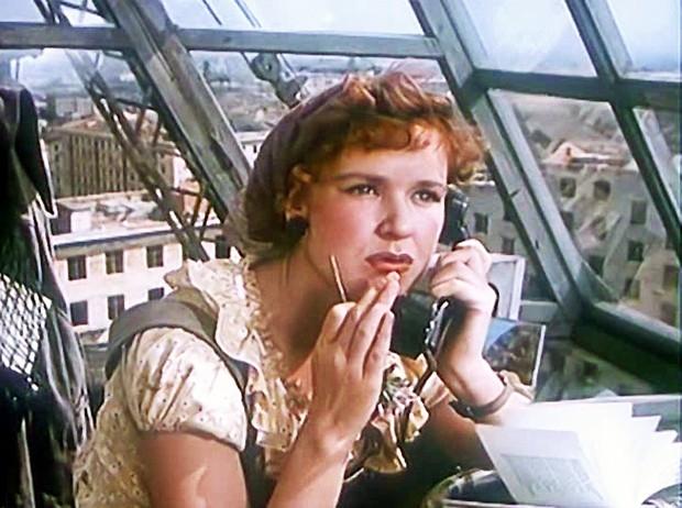 """<b>Светлана Харитонова</b><br><b>(</b>1932-2012)<br>актриса <br>Светлана Харитонова была мастером комедийных эпизодических ролей в фильмах  """"Девушка без адреса"""", """"Неподдающиеся"""", """"Не может быть"""" и множестве других картин  60-70-х годов."""