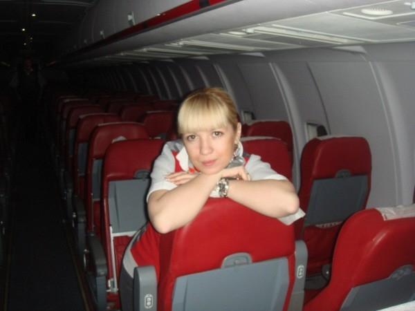 Бортпроводница самолета ТУ-204 авиакомпании Red Wings Татьяна Пенкина. (Фото из архива). Т.Пенкина скончалась в одной из московских больниц 30 декабря 2012